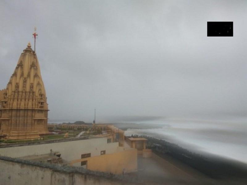Cyclone Vayu: 'वायु' तूफान पर भारी पड़ी आस्था, सोमनाथ मंदिर में विधि-विधान से हुई पूजा