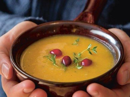 महिला के सूप में निकला मरा हुआ चूहा, रेस्टोरेंट को लगा 19 करोड़ डॉलर का फटका