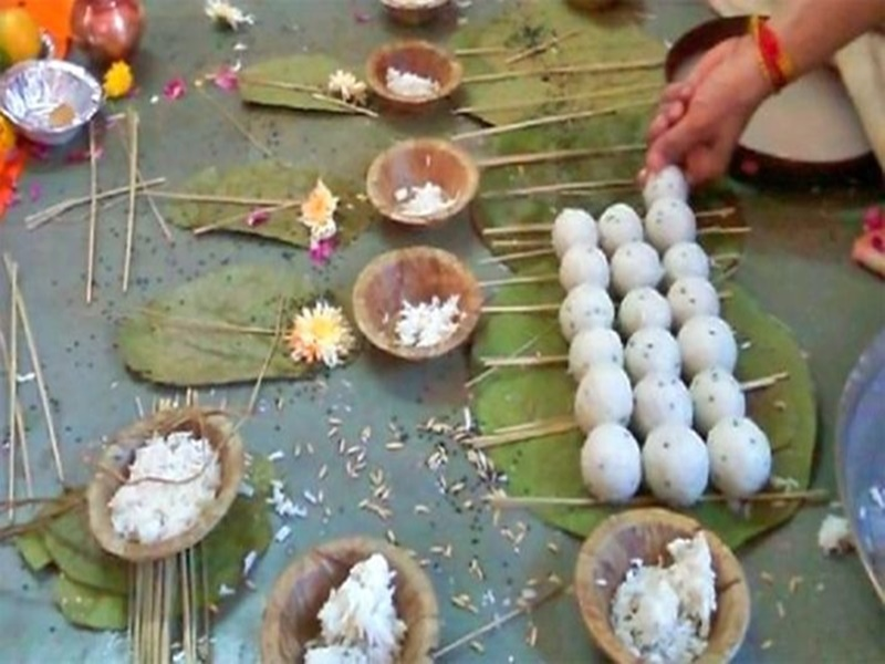 Shraddh Paksh 2019 : शास्त्रों में बतलाए गए हैं इतने प्रकार के श्राद्ध, इन तिथियों को होते हैं पितृ तृप्त