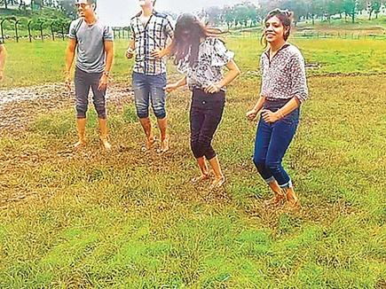 कुदरत का करिश्मा :  स्पंजी है ये जमीन, कूदेंगे तो उछल जाएंगे