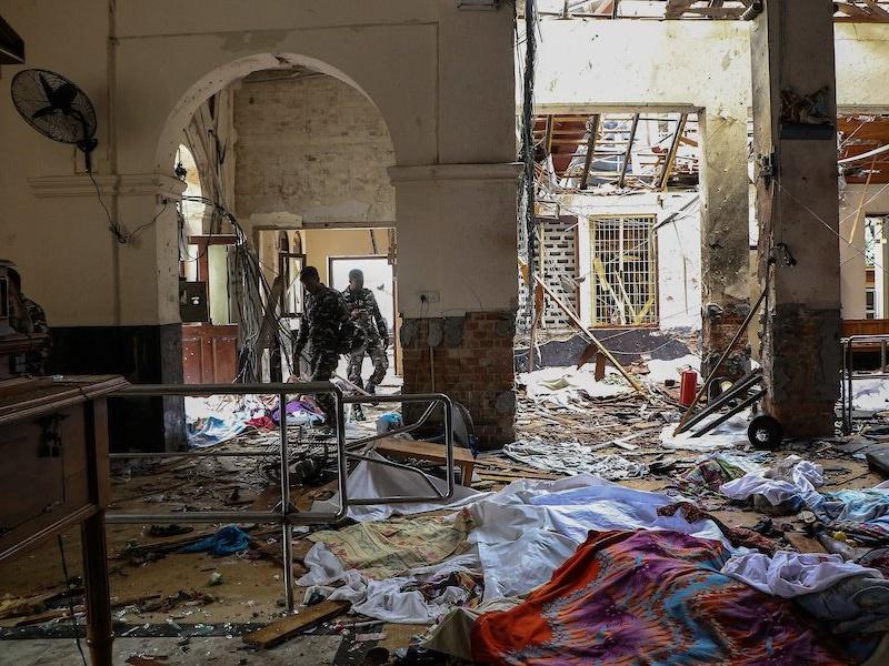 Sri Lanka Blasts : श्रीलंका में राष्ट्रपति ने खुफिया प्रमुख को बर्खास्त किया, धमाकों की जांच को नकारा
