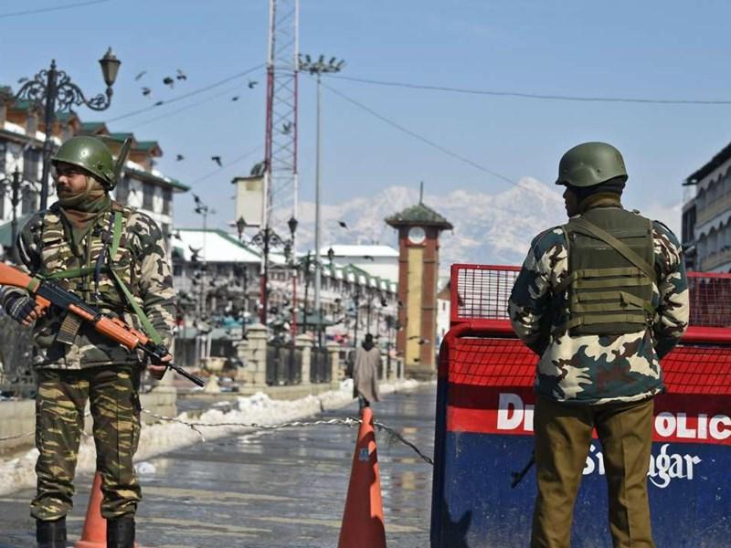 कश्मीर में मुहर्रम पर आतंकी हमले का खतरा, सुरक्षा के मद्देनजर जुलूस निकालने की नहीं दी गई इजाजत