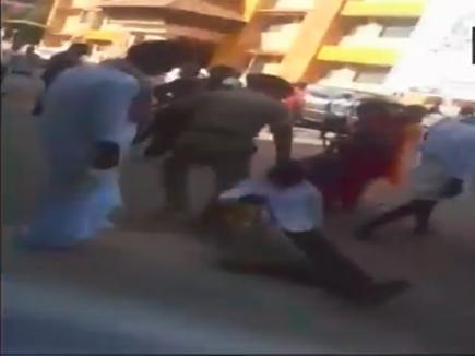 VIDEO: श्रृंगेरी मंदिर में पुलिसकर्मी ने की बुजुर्ग से बदसलूकी