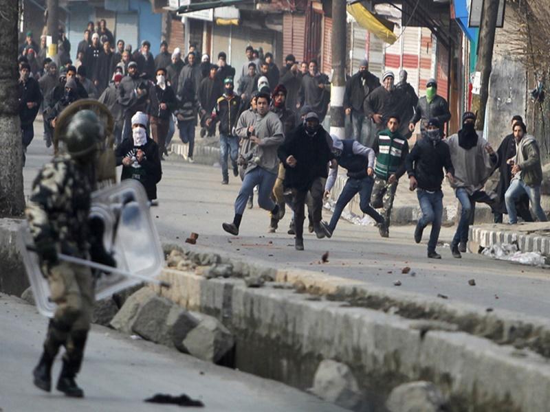 Kashmir Stone Pelting: जम्मू-कश्मीर में पत्थरबाजी की घटनाओं में आई उल्लेखनीय कमी