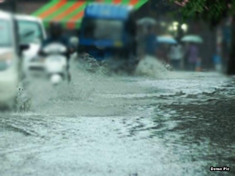 Vidisha News : तेज बारिश के कारण शासकीय स्कूल में भरा पानी, 45 विद्यार्थी फंसे