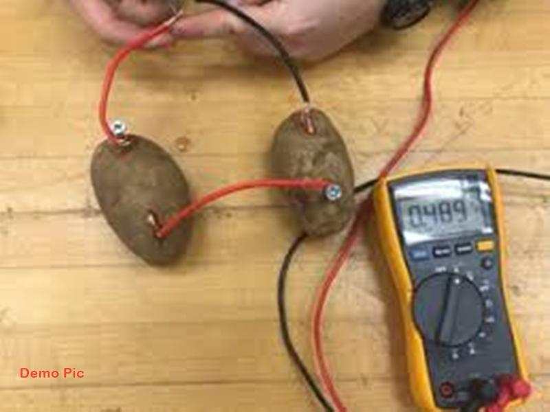 विद्यार्थियों ने जोड़े बैटरी से तार, अगले पल हो गया धमाका