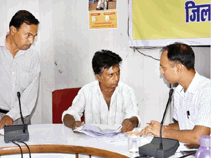 Bhopal News : TL बैठक में बोले कलेक्टर- मियाद खत्म, नियमों का पालन न करने वाले कोचिंग संस्थानों को बंद कराओ