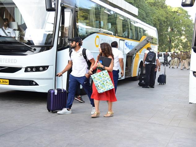 टी-20 मैच के लिए इंदौर पहुंची भारत और श्रीलंका की टीमें
