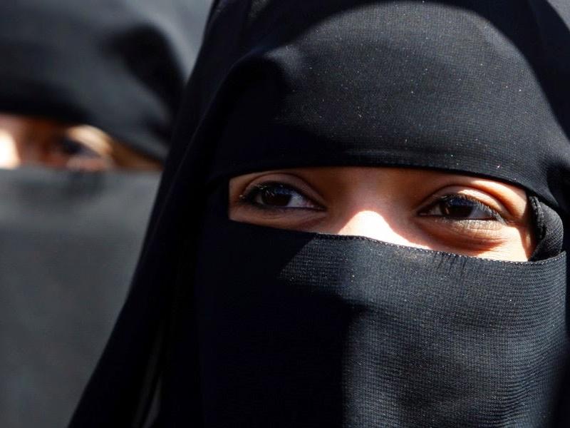 Tripal Talaq : पत्नी खूबसूरत नहीं थी, इसलिए  फोन पर दे दिया तत्काल तीन तलाक