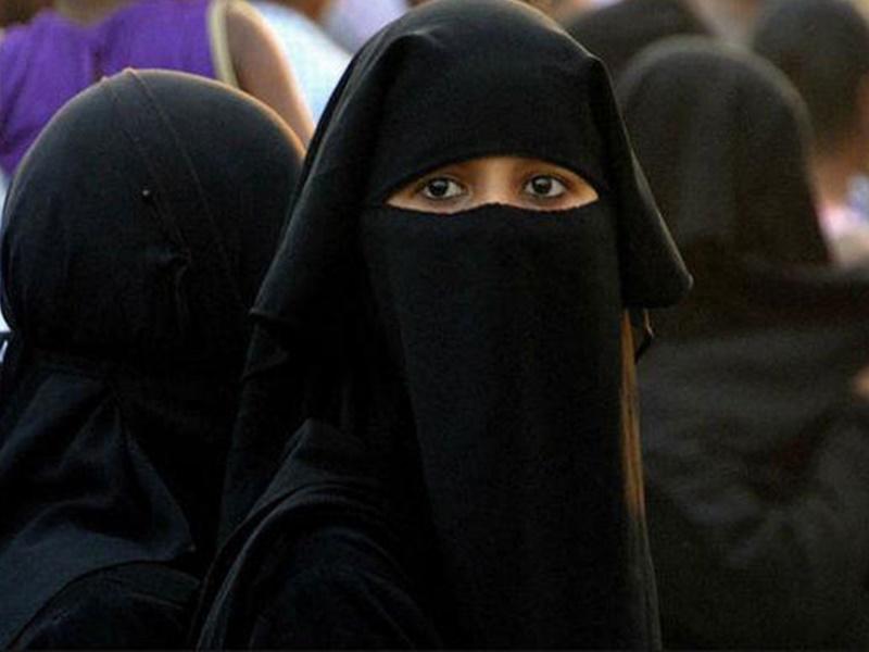 ससुराल पहुंचे युवक ने पत्नी को दरवाजे पर ही दे दिया तीन तलाक, दहेज प्रताड़ना का केस दर्ज