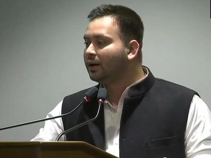 SP BSP Alliance in UP: अखिलेश से मिले तेजस्वी, बोले- देश में अघोषित इमरजेंसी