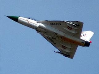 रडार जैमर से लैस तेजस की पहली उड़ान