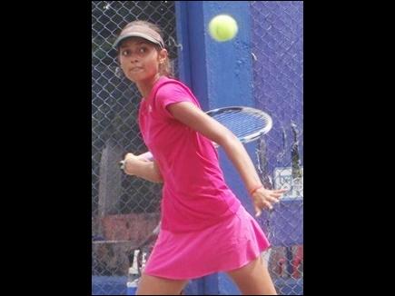 छग की साक्षी मिश्रा ने जीता दोहरा खिताब, ऑल इंडिया टेनिस में हासिल की जीत