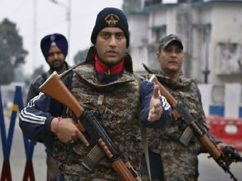 Terror Alert: पाक की खुफिया एजेंसी ISI आतंकी हमले की फिराक में