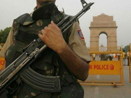 गणतंत्र दिवस से पहले दिल्ली से 5 कारें हुई गायब, मचा हड़कंप