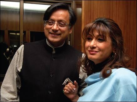 सुनंदा पुष्कर की हत्या के बाद कमरे में गए थे शशि थरूर, टीवी चैनल का दावा