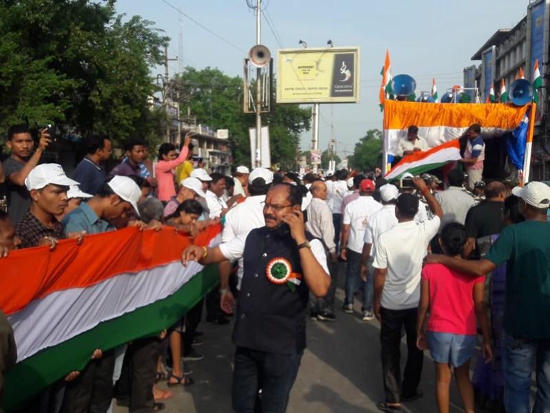 VIDEO : देश में पहली बार रायपुर में निकली 15 किमी लंबे तिरंगे की रैली