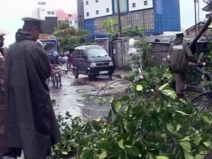 तमिलनाडु व केरल में चक्रवात ओखी का कहर, 16 की मौत, 100 लापता