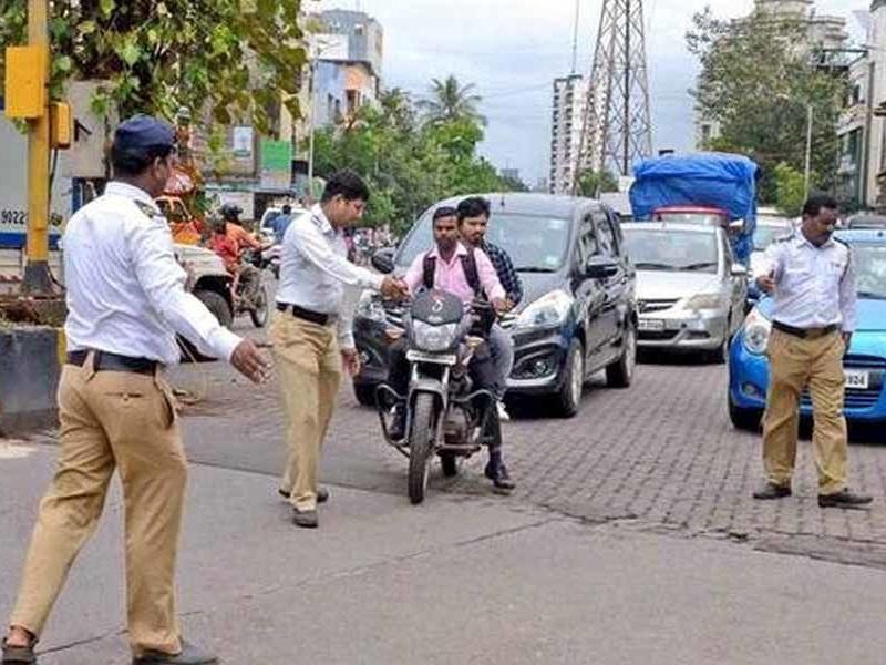 Raipur : पुलिस की हेलमेट पर सुस्ती, चालक बेपरवाह