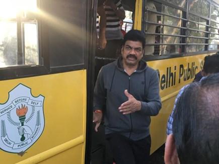 भोपाल में परिवहन मंत्री ने सुबह-सुबह की स्कूल बसों की जांच