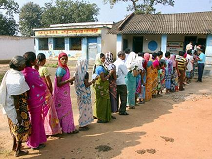 आदिवासी वोटों को लेकर जबरदस्त खींचतान, जानिए BJP-कांग्रेस की रणनीति