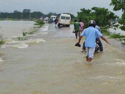 मणिपुर व त्रिपुरा में भारी बारिश, 4 लोगों की मौत, 14 हजार हुए बेघर
