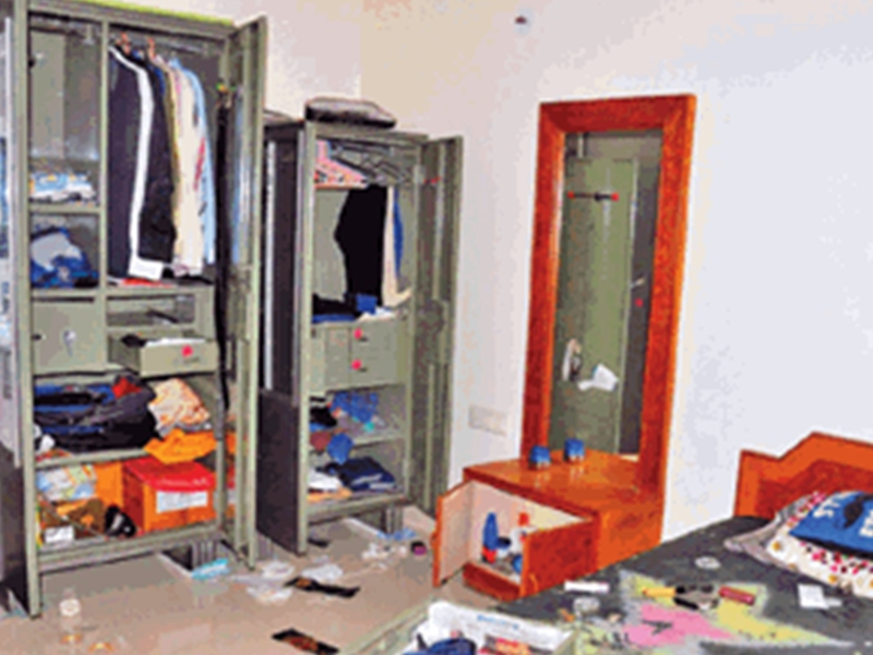 LIC अधिकारी के घर दिनदहाड़े चोरी, 60 हजार नकद सहित जेवर ले उड़े