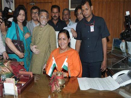उमा भारती ने कार्यभार संभाला, बोलीं. मेरे जीवन का सबसे सार्थक दिन