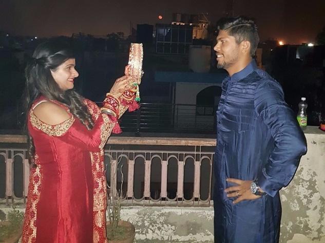 क्रिकेटर्स की पत्नियों ने ऐसे मनाया करवा चौथ, देखिए तस्वीरें