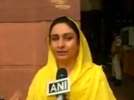 राहुल ने मोदी को गले लगाया तो भड़की यह महिला मंत्री, कही ऐसी बात