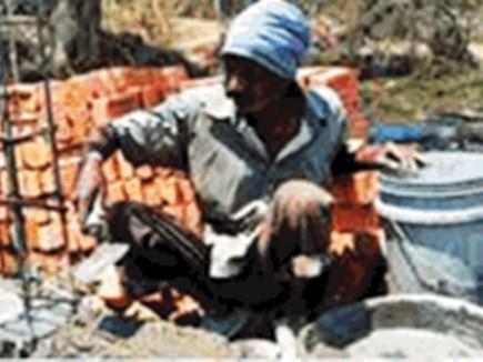 धमतरी जिले के 36 हजार फर्जी असंगठित कर्मकारों का पंजीयन निरस्त