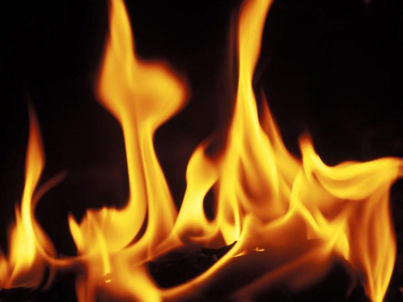 तीन तलाक के बाद पति के साथ रहने गई थी, 5 साल की मासूम के सामने ही परिवार ने जिंदा जलाया