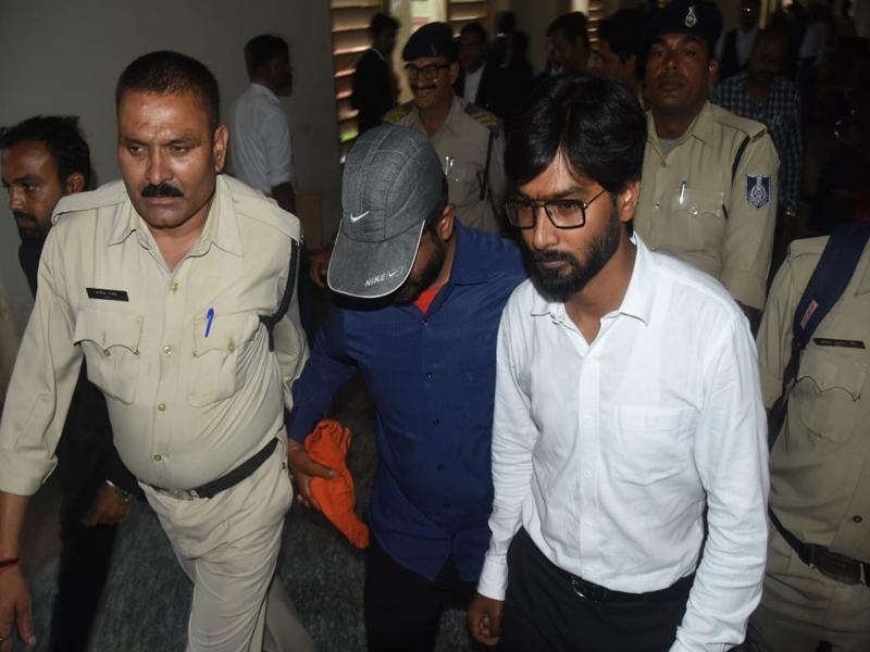 Jabalpur News : दुष्कर्म के आरोपित भाजपा नेता उपेन्द्र धाकड़ ने किया सरेंडर, नहीं मिली जमानत