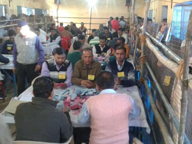 Uttarakhand Panchayat Election Result 2019: 89 केंद्रों पर जारी है मतगणना, 7485 ग्राम पंचायतों के आएंगे नतीजे