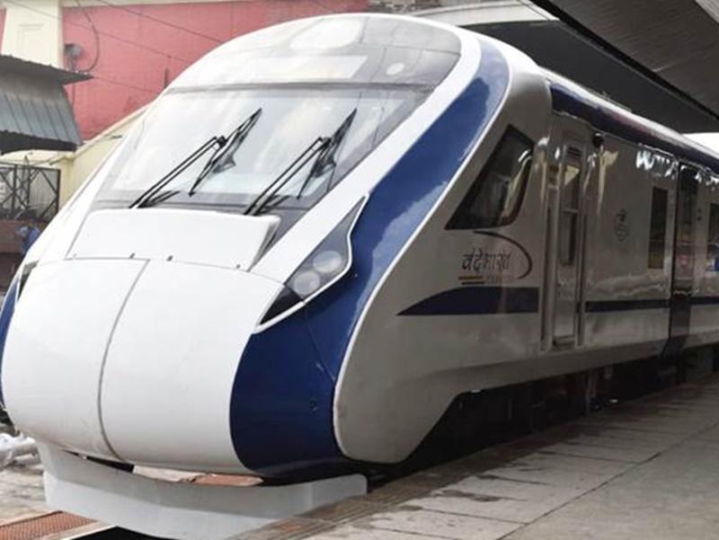 Indian Railway: वैष्णोदेवी के श्रद्धालुओं को रेलवे का तोहफा, नवरात्रि से दौड़ेगी दिल्ली-कटरा वंदे भारत