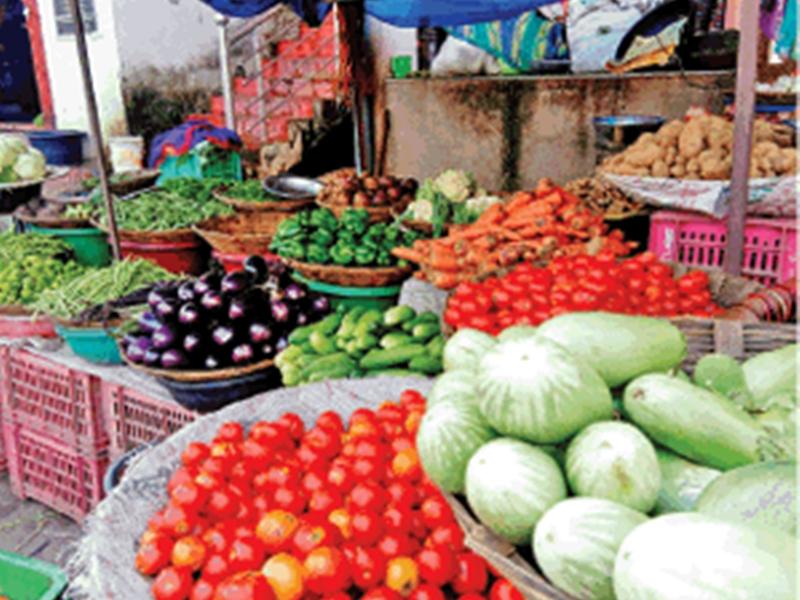 रायपुर में लोगों से वसूला जा रहा सब्जियों का अलग-अलग दाम, भाव छू रहे आसमान
