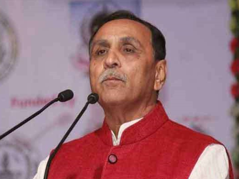 Ahmedabad : गुजरात के मुख्यमंत्री रूपाणी ने कहा कायर थी मनमोहन सरकार