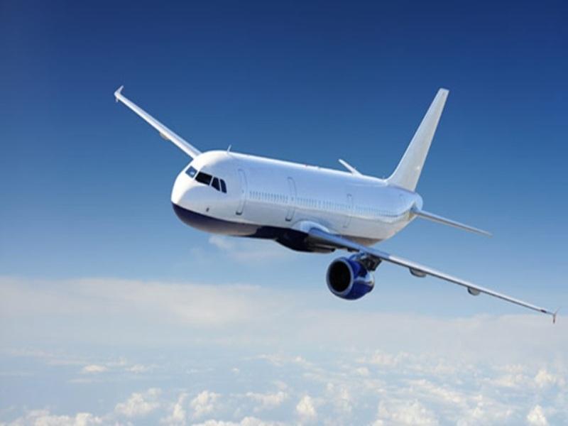अहमदाबाद में भारी बारिश, दिल्ली से रवाना हुआ विमान इंदौर में उतरा