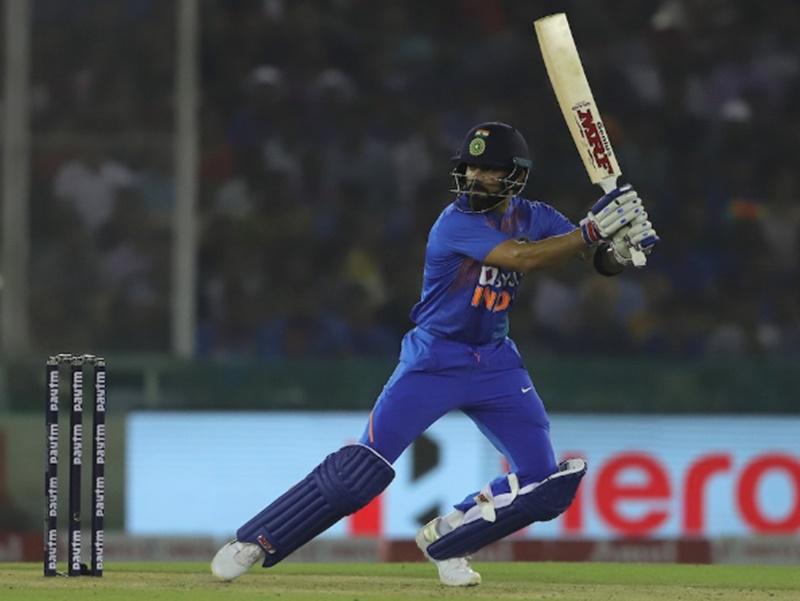 India vs South Africa 3rd T20I: विराट के पास धोनी और मैक्सवेल के रिकॉर्ड तोड़ने का मौका
