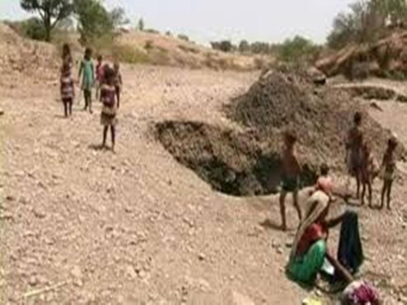 Kondagoan News : पानी से भरे गड्ढे में गिरकर बालिका को मौत