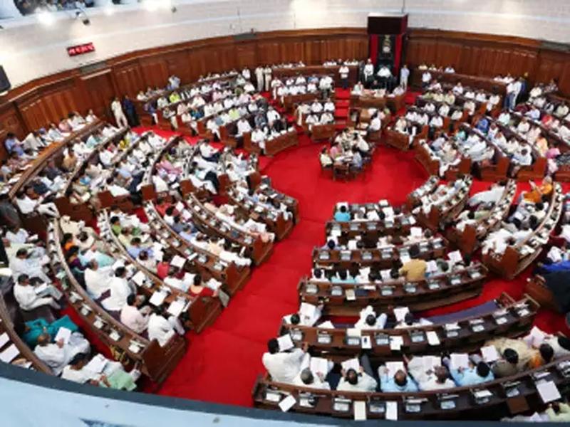 अब पश्चिम बंगाल विधानसभा में गूंजा 'जय श्री राम' का नारा