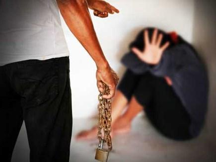 लड़कियों को शादी के नाम पर बेच देता था गिरोह, पुलिस गिरफ्त में आया