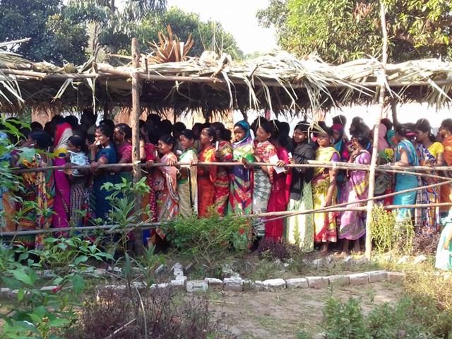 Bastar, Chhattisgarh Lok Sabha Election 2019: एक भी महिला प्रत्याशी नहीं, लेकिन बूथों में पुरुषों से ज्यादा महिलाएं आ रही नजर