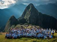 दुनिया में कुछ इस तरह मनाया जा रहा योग दिवस, देखिए तस्वीरें
