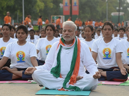 अंतरराष्ट्रीय योग दिवस पर भव्य आयोजन करेगा केंद्र