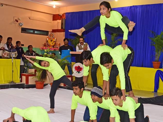 बच्चों ने योगासनों में दिखाया शारीरिक संतुलन