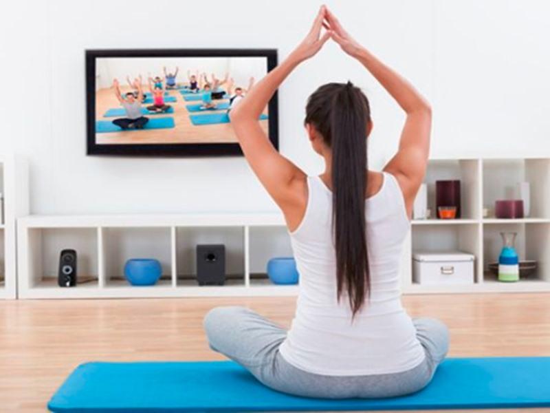 International Yoga Day 2019: टीवी या सीडी से नहीं गुरु से सीखें योग की बारीकियां