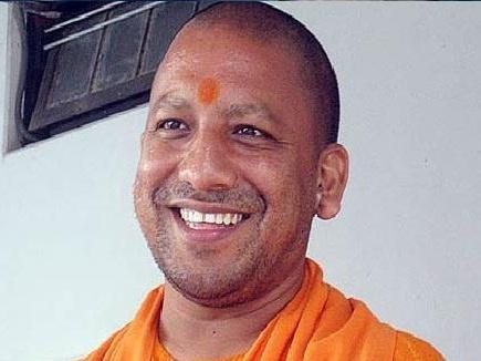 अपने संसदीय क्षेत्र के विकास पर ध्यान दें राहुल : आदित्यनाथ योगी